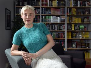 Just nu skriver Laura Lindstedt på sin tredje roman. Den kommer inte att ta sju–åtta år att fullborda som de tidigare, säger hon.