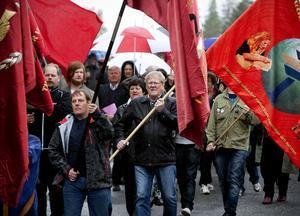 Ett symboliskt demonstrationståg gick från Bilmuseet till monumentet vid Lunde Folkets hus.