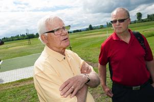 Bengt Niklasson, eldsjäl från Dalsjö golf, och Göran Åslund från Dalarnas golfförbund tror mycket på den nya banan i Dalsjö.