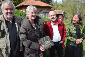 Boksläpp. En kvartett som alla har del i boken om Kinaparken. Fr vä Markus Naef, Pia Stenströmmer, Allan Larson samt Marianna Agetorp.
