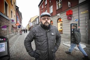 Anders Norén, företrädare för Dalasinfoniettan, varnar för konsekvenserna av nedskärningarna.