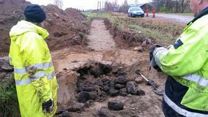 När vägen ska förbättras får arkeologerna möjlighet att leta efter fornfynd i området.