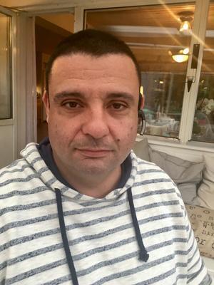 Hassan Zubier vill inte se sig som en hjälte, bara som en medmänniska.
