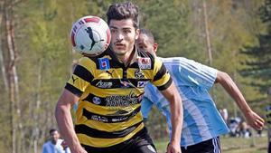 Bra start. Karwan Safari har producerat fem mål på sju matcher och delar skytteligaledningen i division 2 norra Svealand.