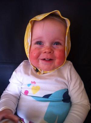 Hilda var påskkärring förra året då hon var 10 månader.