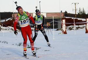 Olle Olsson Bad (till vänster) och Victor Olsson (till höger) krigade rejäl på upploppet.