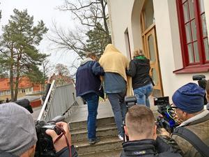 Den misstänkte 22-åringen häktades av Hudiksvalls tingsrätt på torsdagen.