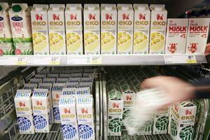 Om konsumenten ska kunna välja svenskt i matbutiken krävs att varorna har ursprungsmärkning.
