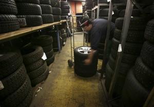 Det är inte åldern som avgör om ett däck är uttjänt, visar forskning från VTI. Folto: Fredrik Sandberg / Scanpix