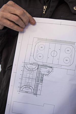 Den nya sporthallen ska rymma en fullstor handbollsplan på omkring 20 gånger 40 meter och kommer att byggas ihop med Dunderhallen. Intill handbollsplanen kommer det på bottenplan finnas sex omklädningsrum varav två vetter in mot Dunderhallen. Övre våningen kommer rymma läktare med 250 sittplatser, toaletter, kontor och ett café med utsikt över båda hallarna.