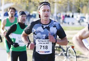 Andreas Svanebo, Sportsgym, här vid torsdagens Spring en mil, vinn en bil i Östersund där han var tvåa, vann lördagens Kälagåtte i Hammarstrand.
