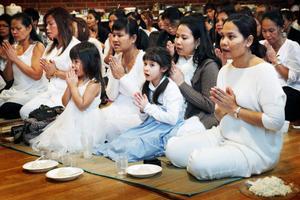 Ett 100-tal thailändare samlades i dag till en stor ceremoni i Östersund.