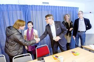 Kristdemokraternas oppositionsråd i Gävle, Lili André, hälsade Göran Hägglund välkommen.