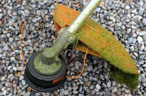 En grästrimmer, värd cirka 1000 kronor stals från ett uthus i området södra Lunger i Arboga kommun. Foto: Tobias Röstlund/TT.