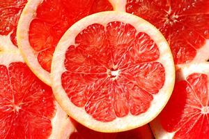 Blodgrapefrukt i junisolen