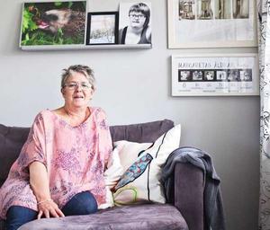 Margareta Hallner är ordförande i lokalavdelningen för FUB och mamma åt Moa, flickan på den svartvita bilden. Hon är nu nominerad till Visa vägen-priset som Årets Eldsjäl.