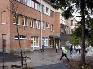Hölöskolan är en av fyra skolor i Söderälje som ska få besök av Mary Juusela och Scania.