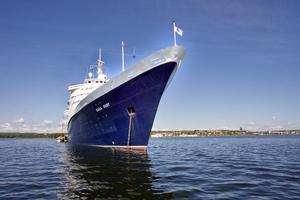 Ursprungligen var Saga Ruby ett norsk-amerikanskt fartyg som då hette M/S Vistafjord.