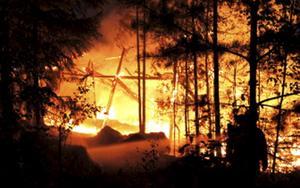Förrådet brann ner till grunden.FOTO: NIKLAS HAGMAN