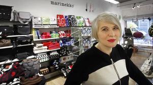 Finsk design. I bakgrunden Marimekko och i förgrunden Kaija Valtonen.