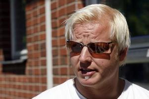 Robert Berglin medger att det fanns mycket narkotika i Skutskär när han växte upp. –Jag har farhågor att en nedläggning av stationen kan innebära ett bakslag i arbetet mot droger, säger han.