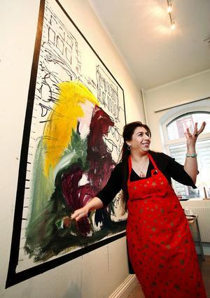 Wejdan Derky målar gärna kvinnor från sitt hemland i Mellanöstern.