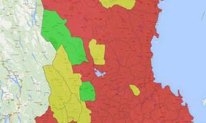 Karta över bostadsbristen i Dalarna. Det röda visar bostadsbrist, det gröna visar ett överskott av bostäder utanför tätort och det gulmarkerade visar överskott av bostäder i hela kommunen.
