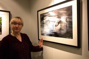 Sofie Lewerenz med en av sina fotofantasier,