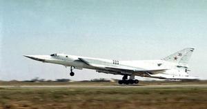Det var ett plan av den här typen, Tu-22M3, som Ryssland använde när de flög över Sverige under påskhelgen.