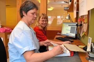 Kan jobba heltid. Undersköterskorna Gerd Nilsson och Agneta Johansson är schemaansvariga för avdelning 3 och 4 på Lindens särskilda boende i Fjugesta. De använder sig av systemet Time Care.