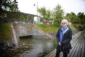 Liberalerna med Ann Westerberg i spetsen har tagit fram ett förslag för hur de vill att Slussholmen ska se ut när Mälarprojektet är klart. Slussgatan, där bussen åker, vill de stänga för trafik och blindtarmen, den underjordiska kopplingen mellan kanalen och Maren vill de öppna upp.