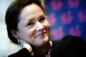 """Pernilla August är nykär i filmmediet. """"Både som skådespelare och regissör"""", säger hon."""