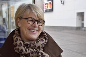 Liselotte Backman, Svedjeholmen, tycker bäst om att prata lättsamma ämnen på fikat.