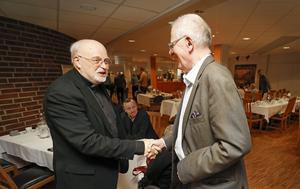 – Roligt att träffa någon som kanske blir påve, säger ICA-veteranen Peter Dettmann.
