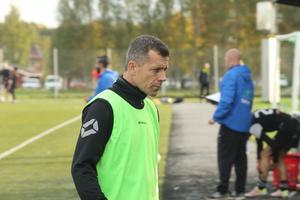 Stefan Gustavsson stannar som huvudtränare i Riala även 2018.
