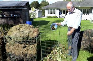 Sänk sopavgiften. Kommunen bör uppmuntra Kumlabor som på allvar tar sig an återvinning och kompostering, anser Kenneth Johansson. Och pengar är ett incitament som fungerar, påpekar han. bild: barbro isaksson