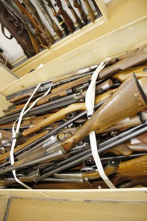 De flesta vapnen som tas omhand är olika typer av jaktvapen.