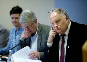 Kommunalråd Sten-Ove Danielsson tvingas konstatera att ekonomin som såg stabil ut före sommaren nu balanserar på gränsen till underskott.