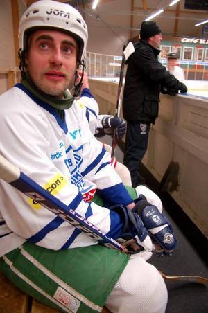 """Förre LT-medarbetaren Emil Danielsson spelade med Hemvändarna. """"Vi har många i vårt lag som fortfarande är aktiva. Det är roligt"""", säger han."""