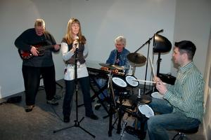 Esko Söderberg, Eva Snell, Anders Ekstrand och Frank Juppe tror mycket på det nya musikrummet på Kastanjen.
