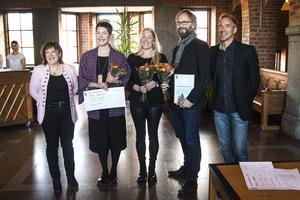 Ordförande i kultur- och fritidsnämnden Karin Thomasson, stipendiaten Emma Dahlqvist, vinnarna av Östersunds kulturpris Sara Strömberg och Anders Nilsson och vice ordförande i kultur- och fritidsnämnden Per Lundgren.
