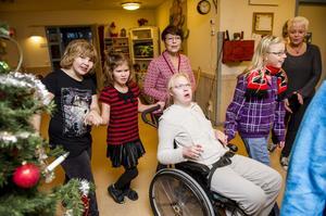 Två lärare vid grundsärskolan i Örnsköldsvik hoppas att kommunen ska satsa på något som de kallar för Glädjeteatern.