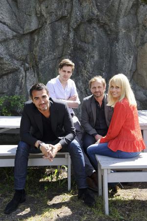 """""""Mörkt vatten"""" är Rafael Edholms nya thriller, där Sverrir Gudnason, Helena af Sandeberg och polske Andrzej Chyra spelar huvudrollerna."""