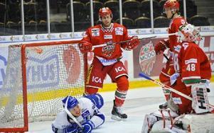 Jacob Blomqvist blev liggande efter 1–2. Sedan reste sig aldrig Leksand igen. Foto: Jennie Sundberg