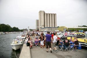 Kraftfulla båtar är publikmagnet på motorshowen.