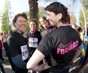 Desperata Forsbackafruar fanns bland de närmare 6 300 som sprang Vårruset i går. Helena Remback, Anna-Karin Östling, Karin Tibblin och Leyla Lindqvist, var trots desperationen på mycket gott humör.