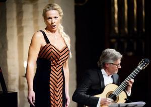 Publiken fick exempel på Ernmans lekfullt extroverta röstteknik i Una voce poco fa av Rossini.