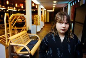 Emma Jäderfeldt fick sina majblommepengar stulna i onsdags.