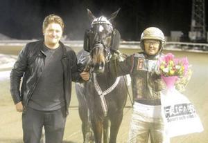 Joy Ribb var en av två segerhästar för Ulf Ohlsson. 2013 års champion leder nu körsvensligan med sex fullträffar under 2014.