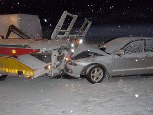 En trafikolycka inträffade i Ullånger under fredagen. Sex personer skadades och fördes till sjukhus.